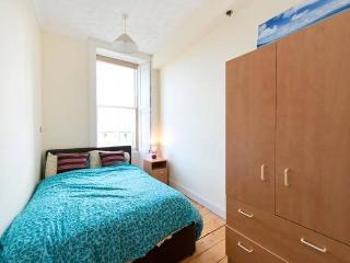 Private Double Bedroom in Edinburgh City Centre