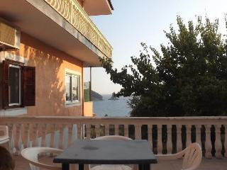 Family Seaview studio for 4p, 5 min walk to beach, Agios Gordios
