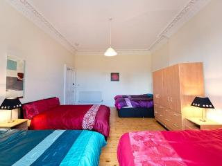 Very Large Private Bedroom in City Centre