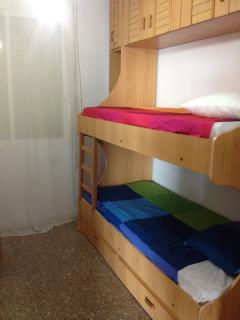 Habitacion con literas ( 3 camas)