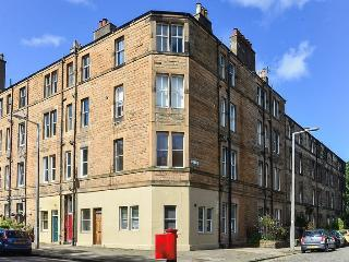 2 bed Morningside tenement flat, Edinburgh