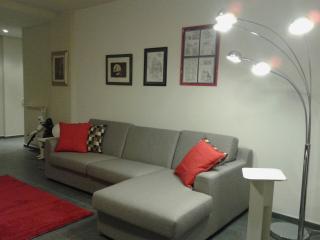 ampio divano che può diventare un comodo letto matrimoniale