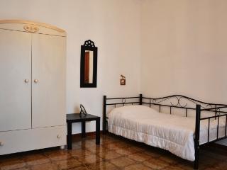 Schlafzimmer mit Einzelbetten OG