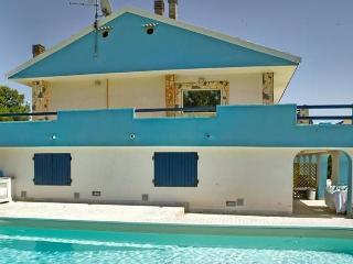 Villa al Poggio CON PISCINA VICINO AL MARE