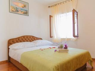 FILOMENA apartment with fig garden, Split