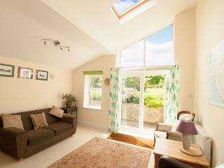 Maytime Cottage - Garden room