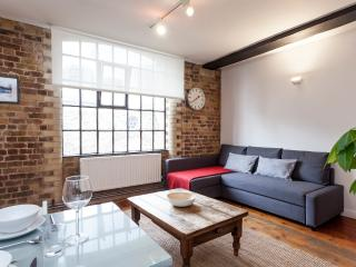 ★ CENTRAL ★ STYLISH WAREHOUSE APARTMENT ★ LONDON BRIDGE ★