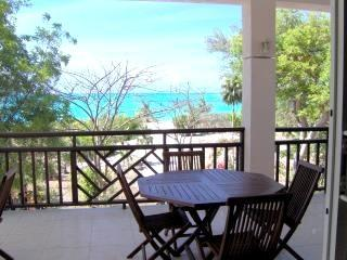 Spacious BEACHFRONT One Bed Apt on BEST BEACH