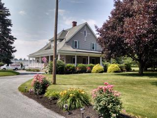 FAMILY FRIENDLY HOME IN LANCASTER, PA., East Lancaster
