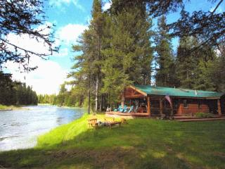 Spectacular Swan River Retreat, Bigfork