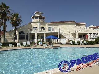 Villa by the beach is a recently remodeled Condo close to the Beach!, Corpus Christi