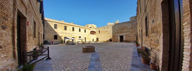 Castillo de Santiago donde la Reina Isabel la Catolica vio por primera vez el mar