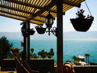 Charming ancient house with view, Tiberias