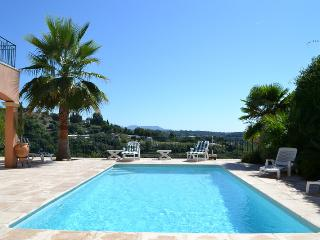 Villa OPHRYS 5*, climatisee, piscine chauffee.