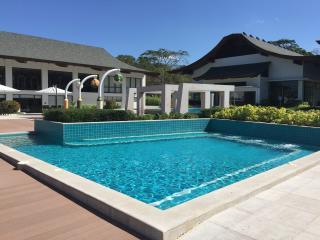 Anvaya Cove Big 2 Bedroom / 2 Bathroom Garden Condo for up to 16 guests