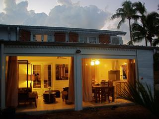 Arbre a Pain: Charme creole et cosy a 30m du Lagon-  Classee 5 etoiles