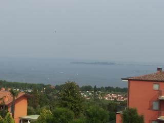 appartamneto per vacanze vista lago e piscina, Moniga del Garda