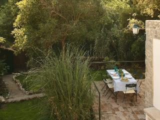 Casa Burro. Lovely sunny vila with pool, Colares