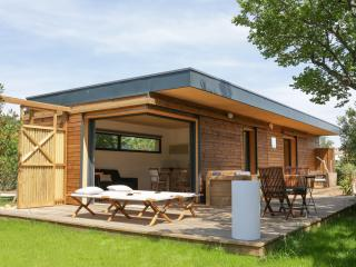 Lodges contemporains, constructions en bois, Paradou