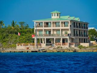 Lighthouse Point Ocean Condo's - Grand Cayman