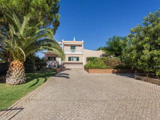 Villa with heated pool-Rural- Near the beach, Faro