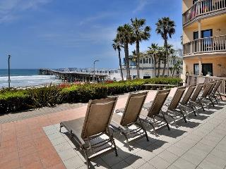 3BR OCEANFRONT! MANY Walking Dist. Attractractions, San Diego