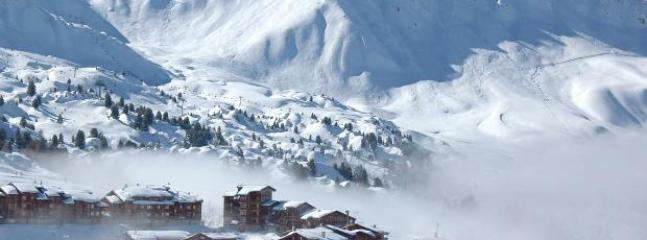 Belle Plagne.. linked to Plagne Bellecote in the evenings by free Gondola ski lift.