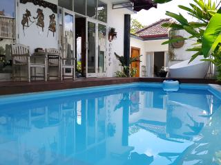 The Omahqu 3 Bed Room with SPool & Billiard Table, Denpasar