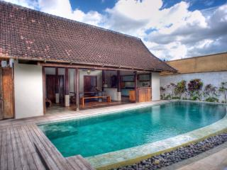 Joglos 3BR Luxury Villas Private Pools-Kerobokan