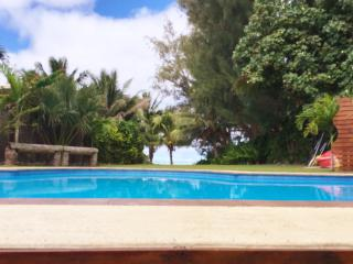Taakoka Muri Beach Villa - beach front with private pool