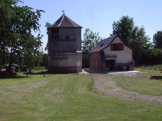 Gîtes de Clairfaye, pigeonnier, Acheux-en-Amienois