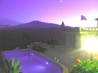 Splendid home marvellous view of Etna & East coast, Gaggi