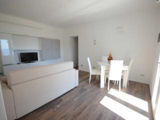 Appartamento in collina con vista mare, Lacona
