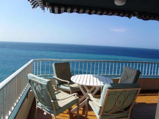 Bonito apartamento en primera linea de playa, Almuñécar