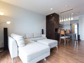 Spacious & Convenient with Great View Near Ari BTS, Bangkok