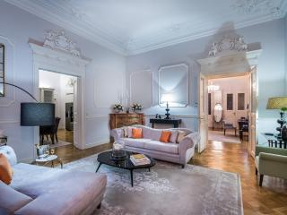 Luxury Vienna Apartment with Maid Service, Viena