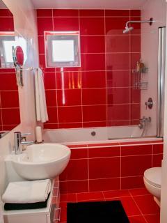 Shower×  Bathroom×