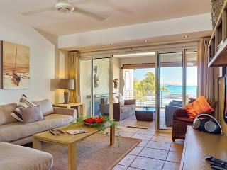 Cape Point Lux Seafront Suites by Simply-Mauritius, Cap Malheureux