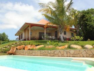 La Villa Alizia, villa créole avec piscine