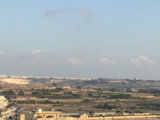 Self Catering 3 Bed Penthouse with sea views, Qawra