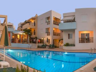 Superior Family Apartments, beach accessible!, Rethymnon