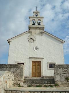 Kapelle 'Sveti Roko', ein gemütlicher Spaziergang bietet einen herrlichen Rundumblick