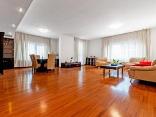 3 Bedrooms Apartment Roma Centro