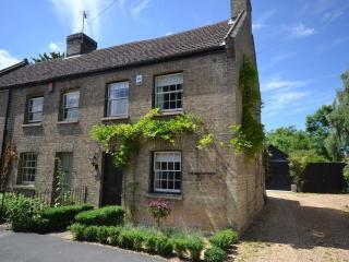 New! Charming 4 bed cottage with stunning garden, Cambridge