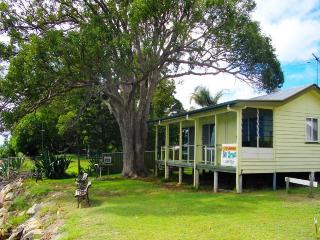 BAY BREEZE, 2/1 MIRIMAR ST, AMITY POINT, Amity
