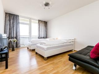 17 Holiday apartment Cologne Deutz, Colonia