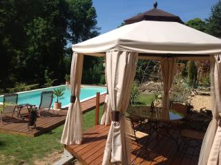 Holiday House Rental Limousin with Swimming Pool, Cussac