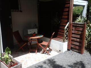la terrasse avec son lave linge.