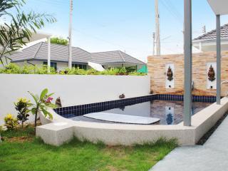 Lovely 3BR Family Pool Villa!, Hua Hin