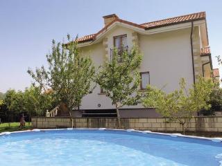 CASA LOMER, Chalet con piscina privada en Beranga